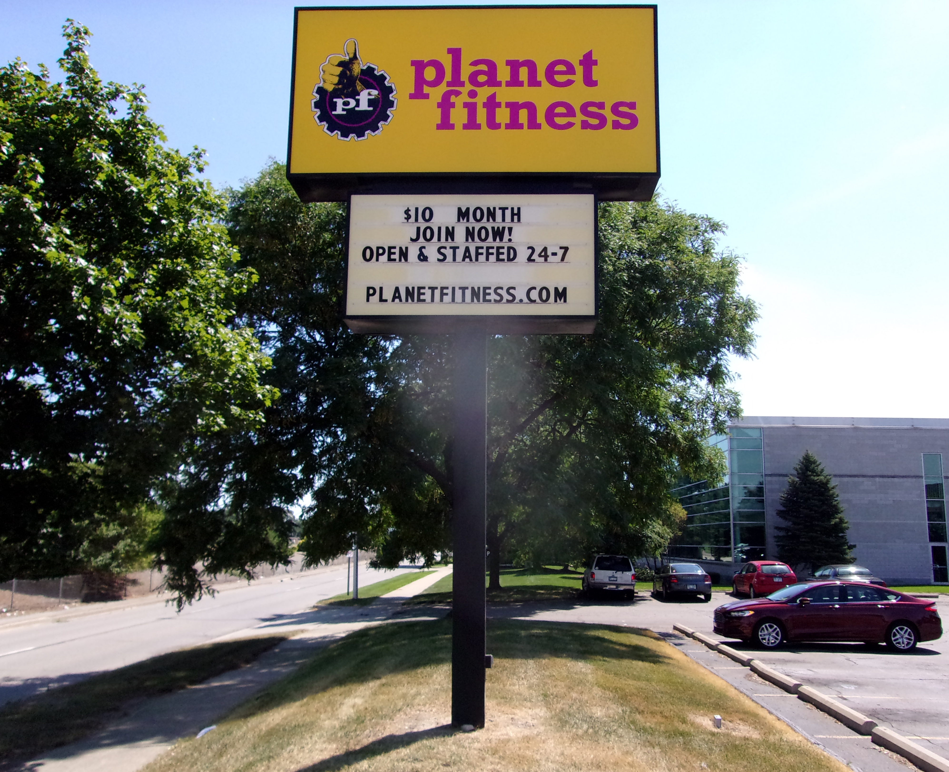 Face Change for Planet Fitness in Warren