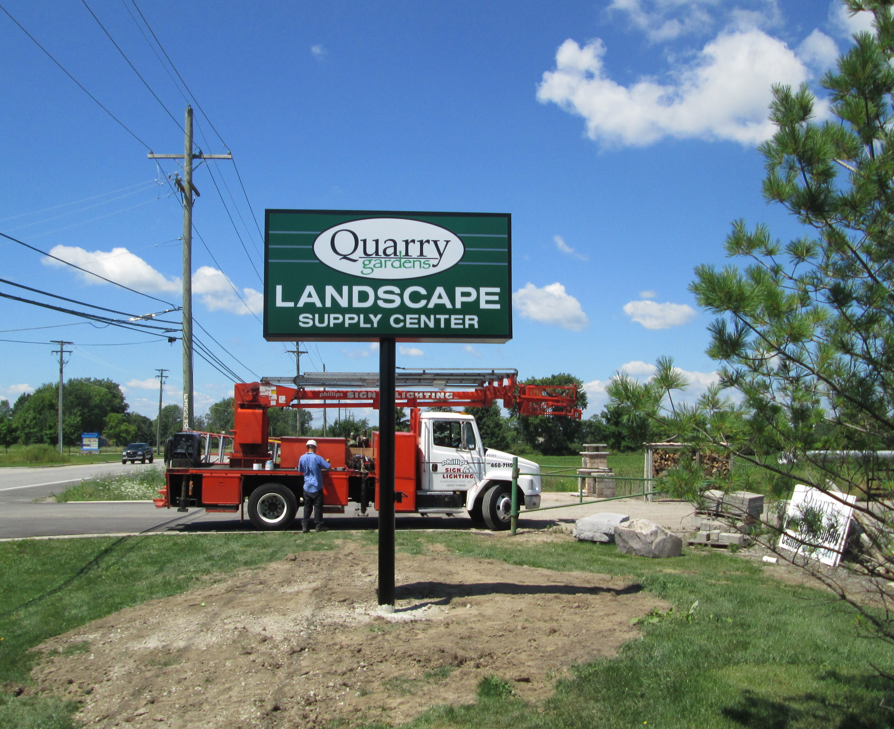 Quarry Gardens Landscape Supply Center - Casco