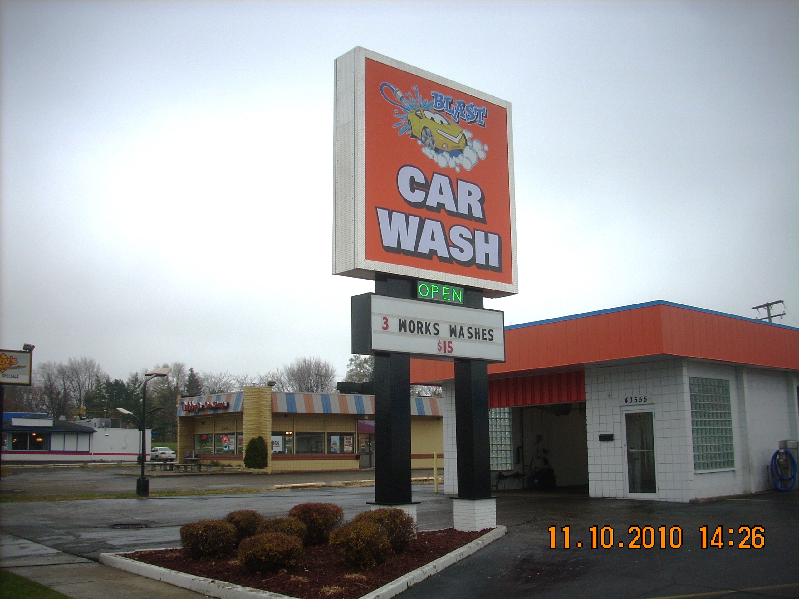 Blast Car Wash Pole Sign
