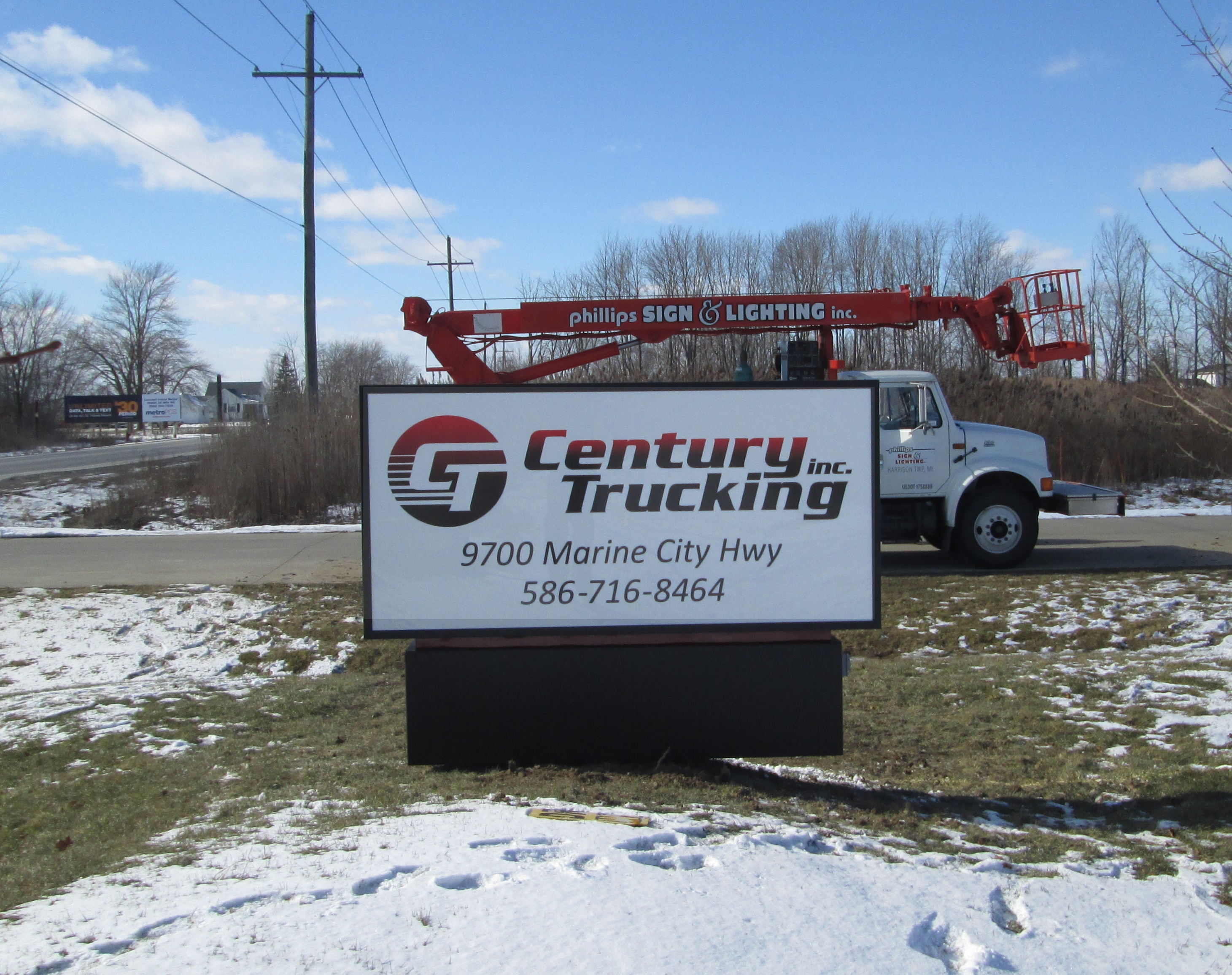 Century Trucking - Casco