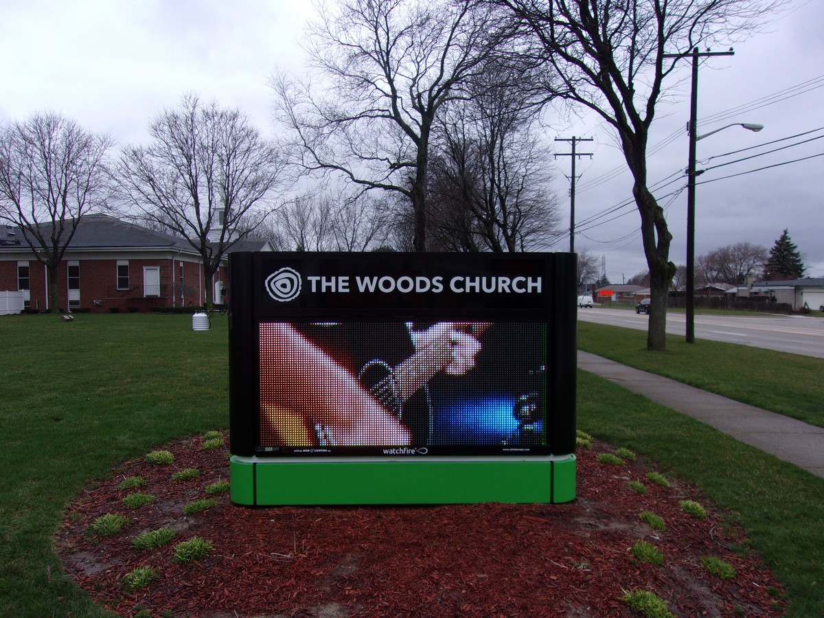 Woods Church Warren