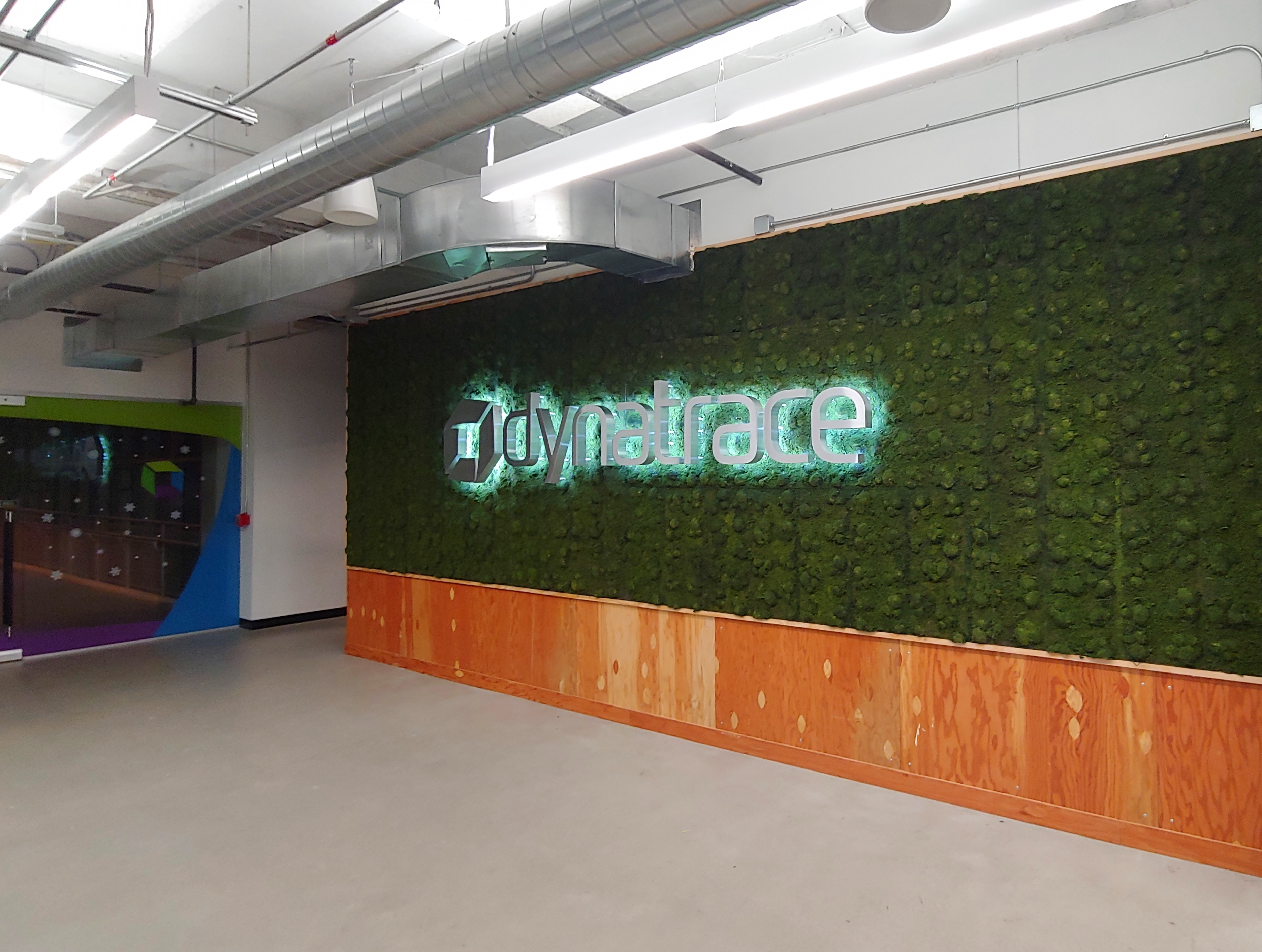 Dynatrace - Interior Sign - Detroit