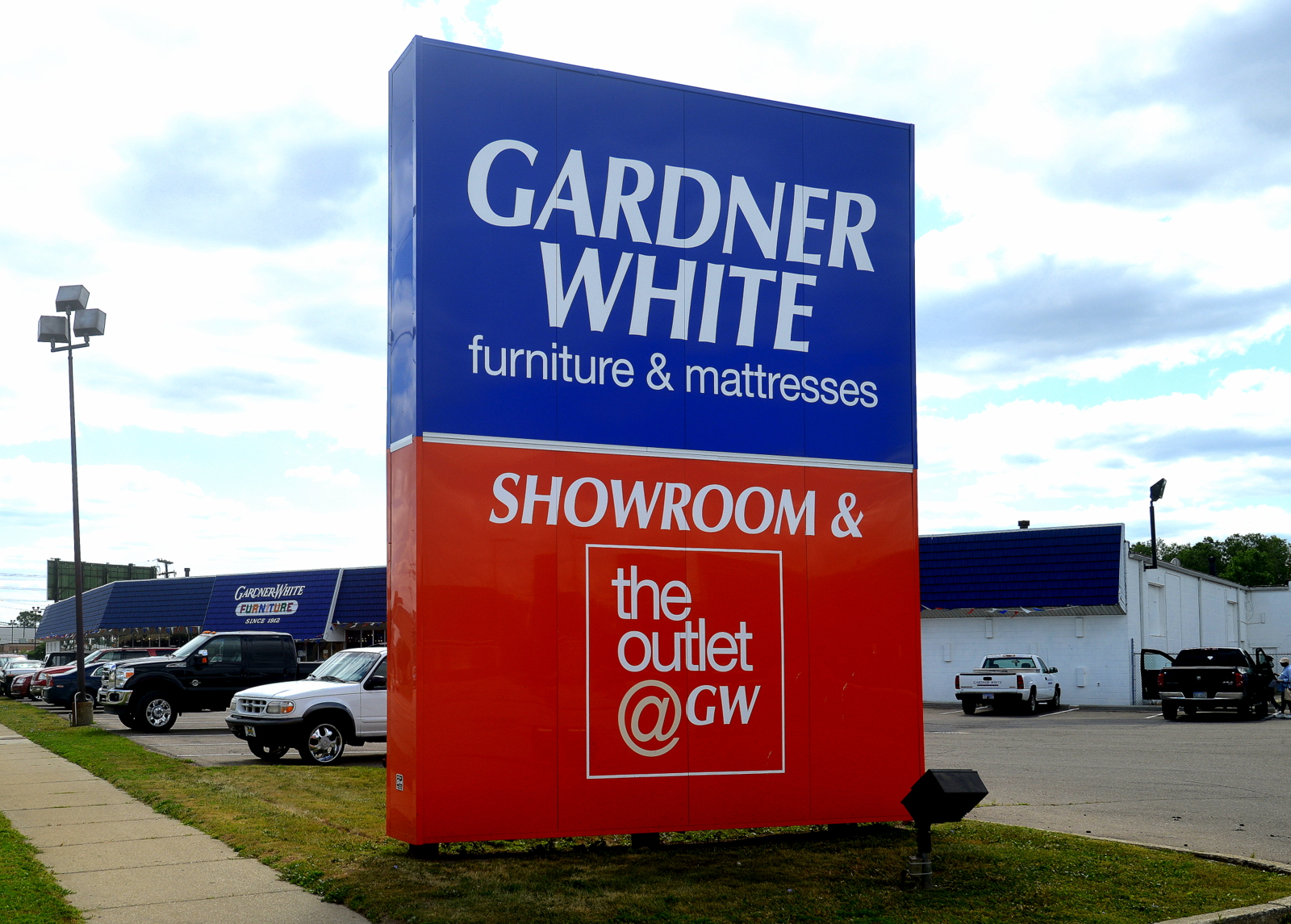 Gardner White | Lawn Sign | Signage
