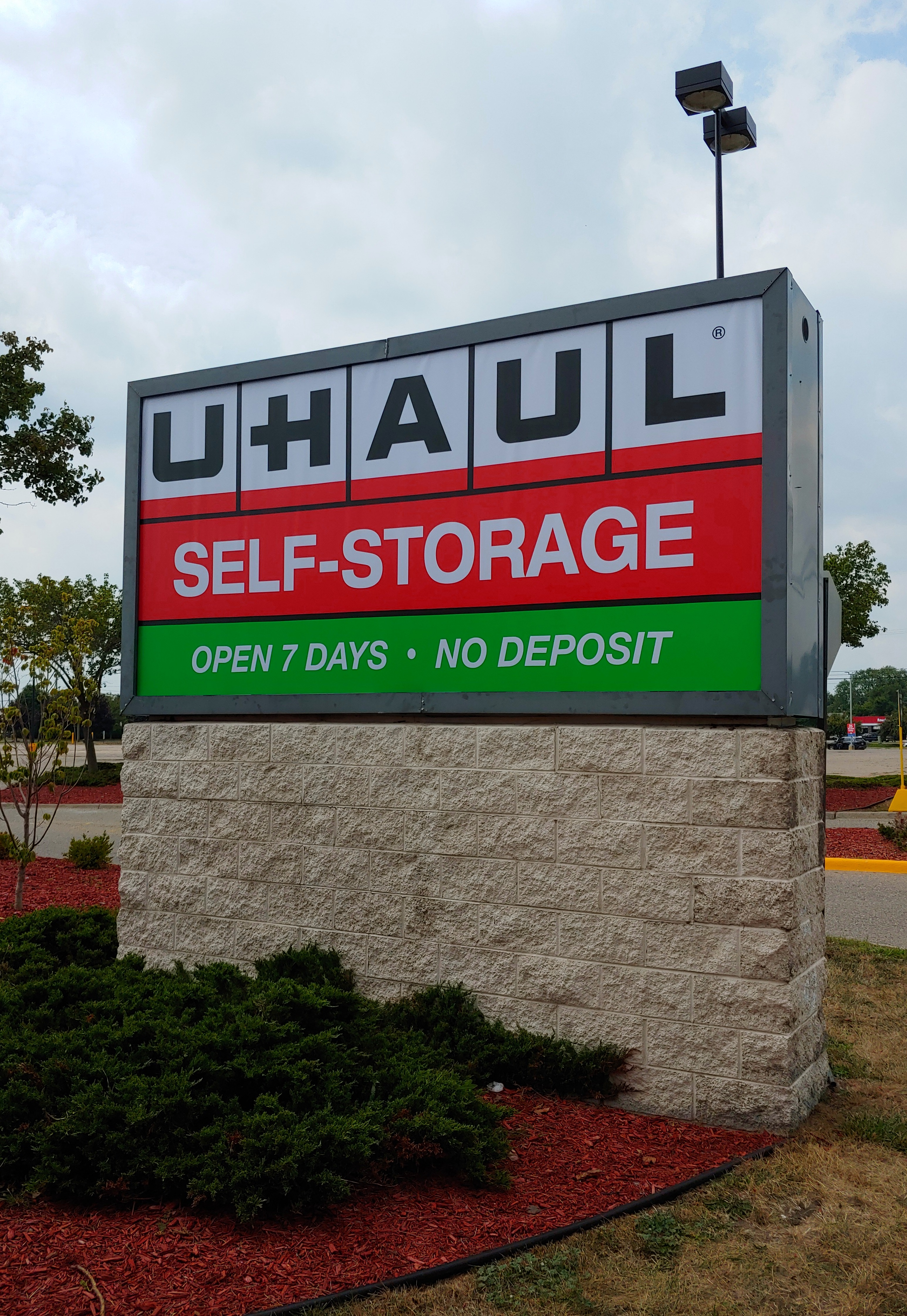 Uhaul - Face Change