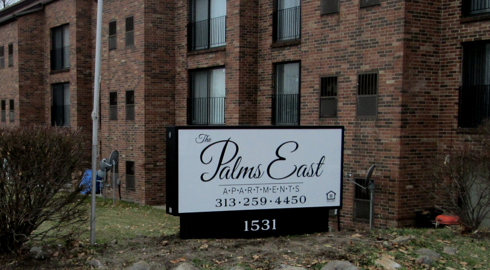 Palms East | Lawn Sign | Signage