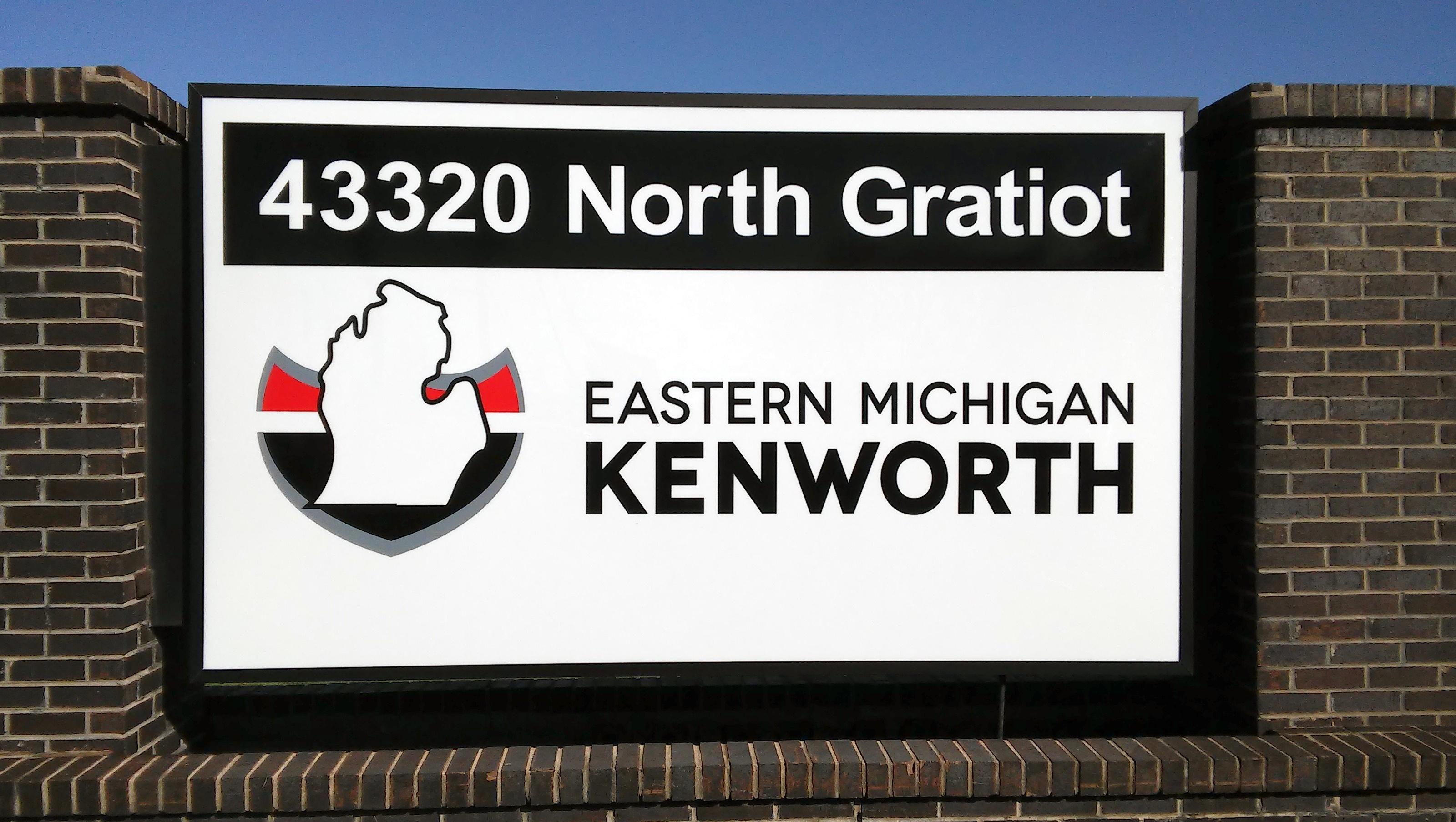 Kenworth | Lawn Signs