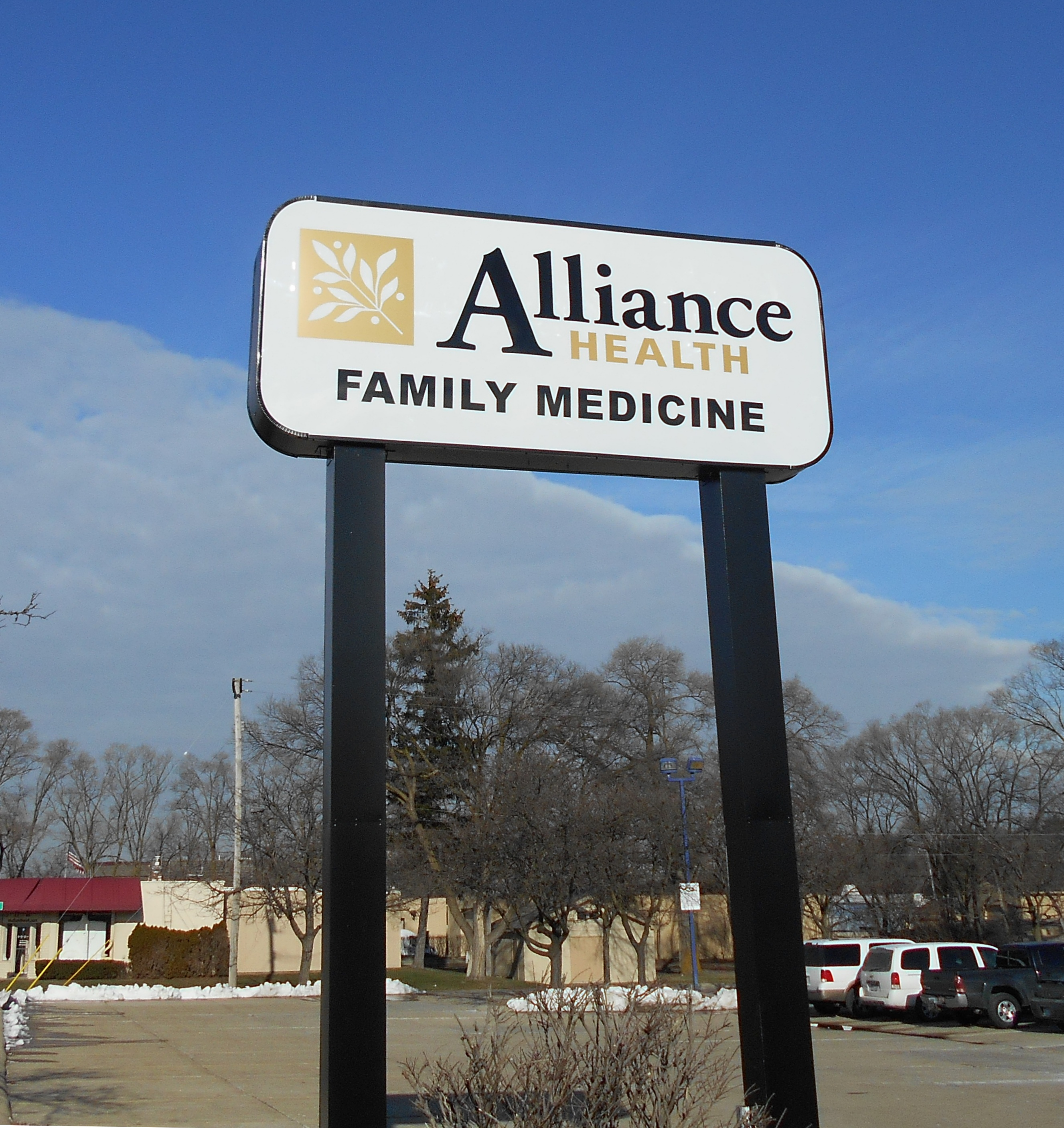 Alliance Health Shelby Township Pole Sign