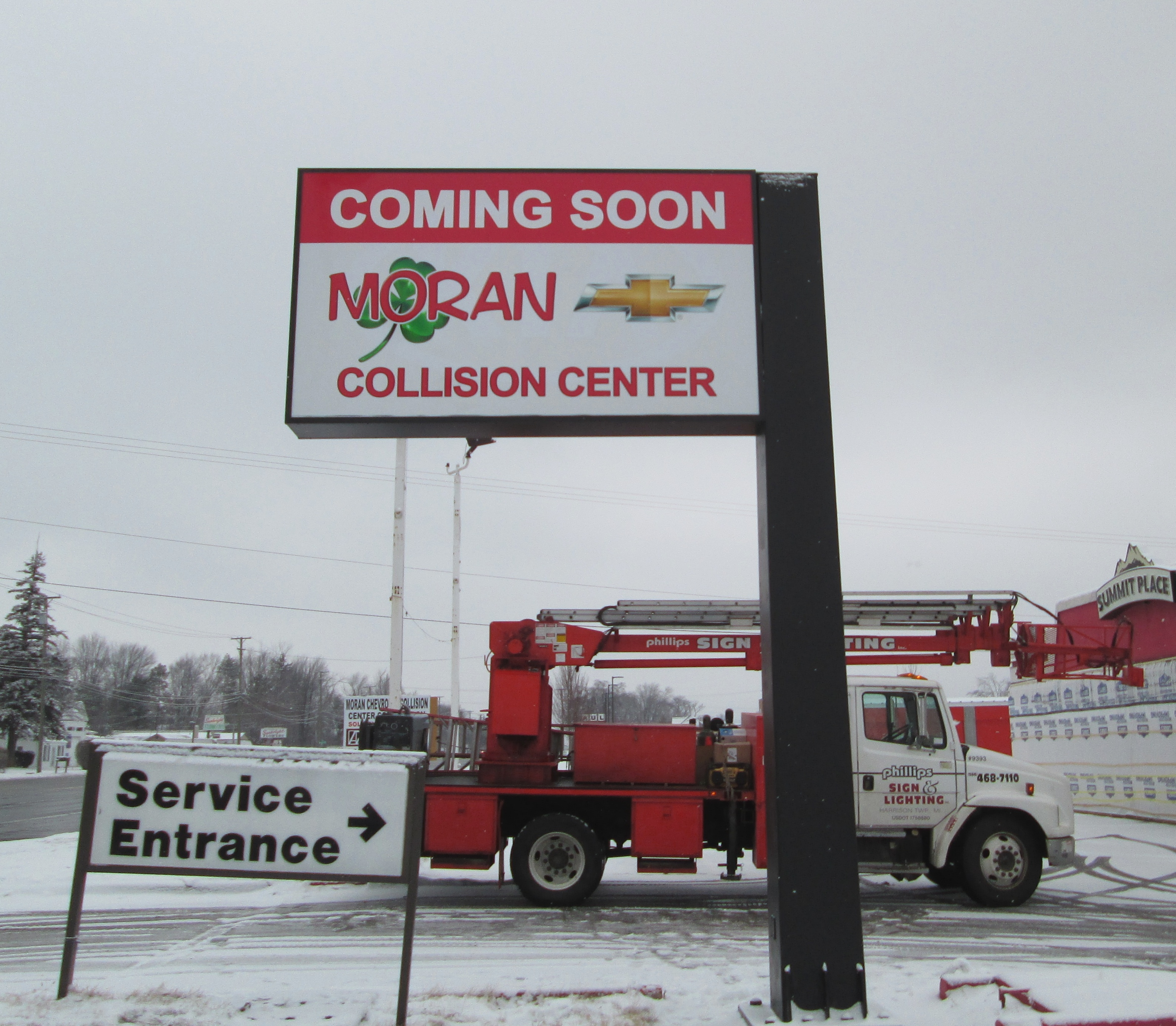 New Face for Moran Collision- Pole Sign